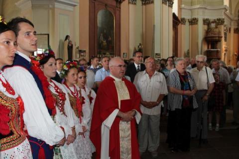 Képavatás a Szent Kereszt templomban